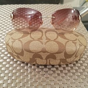 Accessories - coach sunglasses